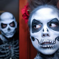 Creepin' out with cool skeleton costume makeup - click for more 'Black & Bone' skeleton costume ideas. #BeACharacter