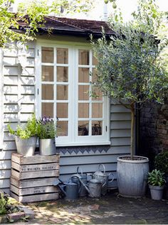 how civilised is the lead trim under the window - desiretoinspire.net - Heather Hobhouse
