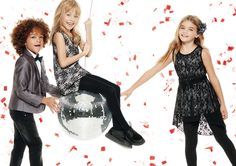 Pizzo, papillon e flower fantasy. To be chic for Christmas holidays! #OVS #OVSaw15 #OVSkids #OVSwaitingchristmastime