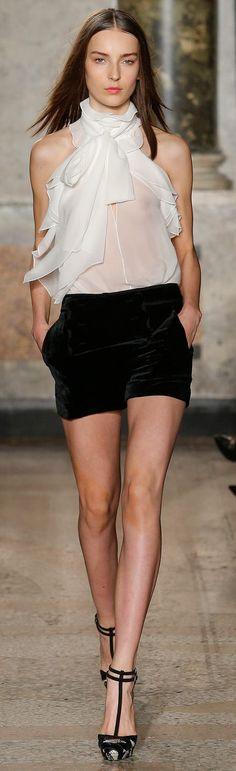 Fall 2015 Ready-to-Wear Emilio Pucci All Fashion, White Fashion, Runway Fashion, Fashion Show, Womens Fashion, Fashion Design, Emilio Pucci, Crisp White Shirt, Cool Outfits