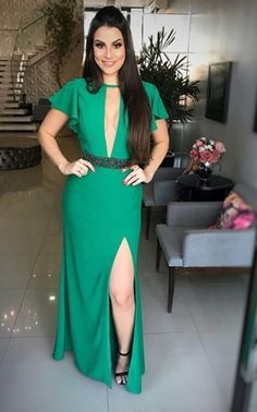 10 vestidos de festa verde para madrinhas e formandas Purple Dress, Green Dress, Evening Dresses, Prom Dresses, Long Dresses, Wedding Dresses, Beautiful Dresses, Wrap Dress, Party Dress