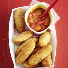 Mozzarella-Sticks mit geschmolzenen Tomaten Veg Recipes, Lunch Recipes, Appetizer Recipes, Vegetarian Recipes, Healthy Recipes, Healthy Food, Mozzarella Sticks, Cheese Snacks, Food Obsession