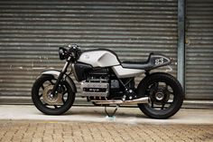Flying Brick by V Customs Cycles. BMW K100 cafe racer. Photos by Retro Write Up.