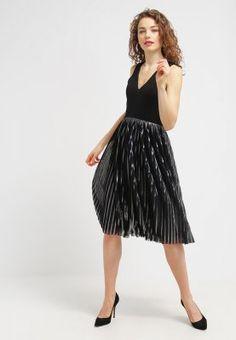Zomerjurken Warehouse Korte jurk - black Zwart: € 29,95 Bij Zalando (op 31-1-16). Gratis bezorging & retournering, snelle levering en veilig betalen!