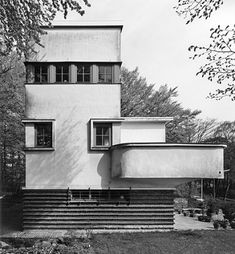 "germanpostwarmodern: "" House Dr Fischer (1926-27) in Wuppertal, Germany, by Hans…"