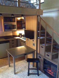 Rumah ini nampak kecil tapi tunggu sampai anda lihat 11 Gambar ruangan dalamnya! ~ Tengok TV Online