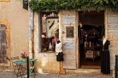 Visit Lourmarin for a taste of Provence : The Good Life France