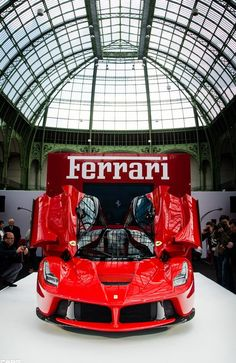Bow down to LaFerrari