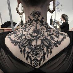 Nape tattoo by Clarisse Amour #ClarisseAmour #blackwork #botanical #flower #btattooing #blckwrk