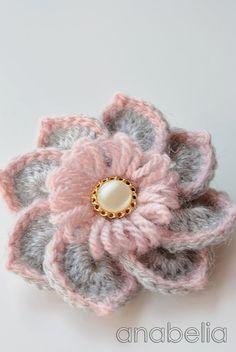 Pink winter crochet set by Anabelia