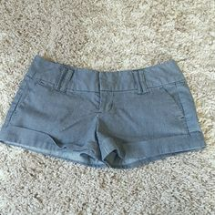 Charlotte Russe shorts Very cute and somewhat dressy shorts! Purchased them on here but unfortunately didn't fit.. it says they're a size 9 but they are a little smaller. I'd say about a size 6/7 Charlotte Russe Shorts Jean Shorts