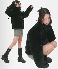 "ً on Twitter: ""ig jissuuseo for uglyshadow… "" Fashion 90s, Fashion Outfits, Estilo Harajuku, Look Retro, Pose Reference Photo, Poses References, Insta Photo Ideas, Mode Inspiration, Looks Cool"