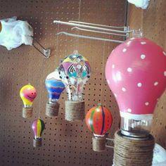 Decoración con bombillas recicladas