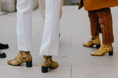 the best attitude e5bc8 361b7 Take a look at the shoes seen on the feet of the most stylish girls on the  streets of New York, London, Milan and Paris at Fashion Week Spring Summer  Photos ...