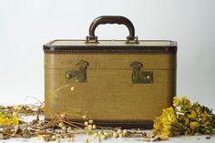 Vintage Makeup Case // Cosmetic Bag // by AutumnHouseVintage, 45.00