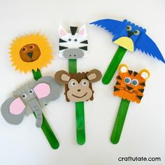 Popsicle Stick Animal Puppets | The kids can put on their own puppet show with this easy kid's craft!