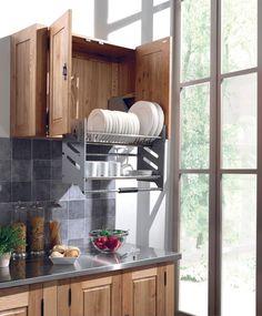 La solution rangement pour atteindre les objets en hauteur kitchen un rangement escamotable qui facilite la vie en cuisine workwithnaturefo