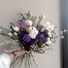 #vaness #flower #vanessflower #flowergram #florist #instaflower #handtied… Bride Flowers, Real Flowers, Cut Flowers, Beautiful Flowers, Floral Bouquets, Wedding Bouquets, Plant Art, Blooming Flowers, Flower Designs