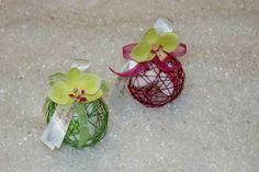 Ballotin dragées fleurs orchidée http://www.drageeparadise.fr/ballotins-dragees_22_ballotin-de-mariage_boule-metal-orchidee__488_1.html