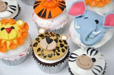 animal cupcakes.....well i'd like to make any cupcakes :D