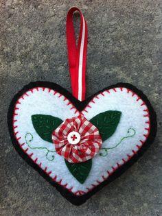 YoYo Heart Ornament by patsfabriccreations on Etsy, $7.99