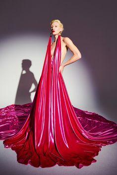 Couture Fashion, Runway Fashion, High Fashion, Fashion Show, Fashion Trends, Uk Fashion, Blush Gown, Couture Looks, Armani Prive