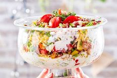 Unser beliebtes Rezept für Schichtsalat im Pokal und mehr als 65.000 weitere kostenlose Rezepte auf LECKER.de. Healthy Food List, Easy Healthy Recipes, Healthy Eating, Nutritional Supplements, Nutritional Yeast, High Fiber Cereal, Nutrition Activities, Rich In Protein, Food Journal
