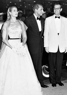 Cary Grant and Grace Kelly attend the Philadelphia premiere of To Catch a Thief, August 2, 1955.