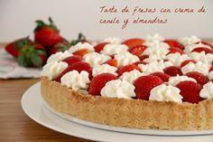 Tarta de fresas con crema de canela y almendras Thermomix