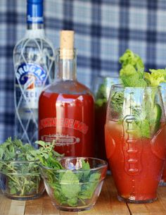 Tips, Tricks, and Trends for tailgate season! #cocktail #recipes #football #entertaining #party #partytrends #debililly #APerfectEvent