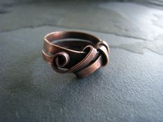 Handmade ribbon ring forged in copper. Size 6.