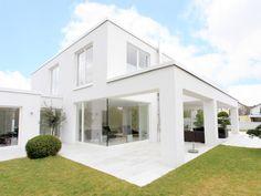 Architektenhaus in weiss - kubisch, Fensterecke
