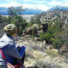 My sister Lotta enjoying the view at Browns Canyon. Collegiate Peaks' snowcapped tops in the distance! This was a great trail highly recommend for anyone around Buena Vista Colorado.  #brownscanyon #collegiatepeaks #BuenaVista #colorado #visitcolorado #coloradolive #cometolife #coloradoliving #hiking #patikointi #vaellus #outdoors #nature #luonto #scenery #maisema #vuoret #mountains #vuoristo #travel #matka #reissu #nordicnomads (via Instagram)