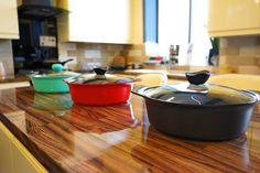 Hotpot Restaurant, Fried Rice Noodles, Deep Frying Pan, Stir Fry Dishes, Shabu Shabu, Hot Pot, Kitchen Shelves, Yin Yang, Wok