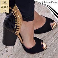 A combinação de preto e dourado é sempre um luxo! Esse e outros modelos você só encontra na AREZZO.