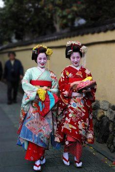 Google Image Result for http://www.mellowmonk.com/images/geisha_maruyama.jpg