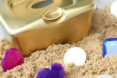 DIY Treasure Chest for Toddlers – I Can Teach My Child! DIY Treasure Chest for Toddlers: Such a fun sensory activity for toddlers that promotes fine motor control and hand-eye coordination! Sensory Activities Toddlers, Infant Activities, Summer Activities, Pirate Activities, Disney Activities, Sea Activities, Childcare Activities, Sorting Activities, Educational Activities