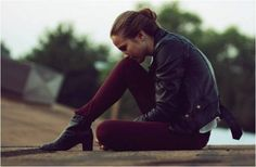 Bethany wearing Bullhead Black Colored Denim Leggings in Cranberry. http://www.gsom.com/blog