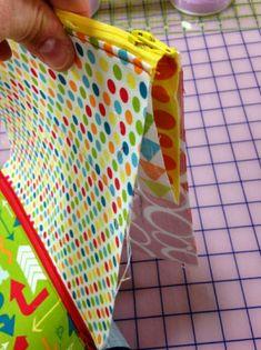 칸칸쏘잉파우치 과정샷 : 네이버 블로그 Bag Patterns To Sew, Bag Pattern Free, Pencil Bags, Diy Bags, Craft Bags, Zipper Bags, Sewing Tutorials, Sewing Crafts, Free Tutorials