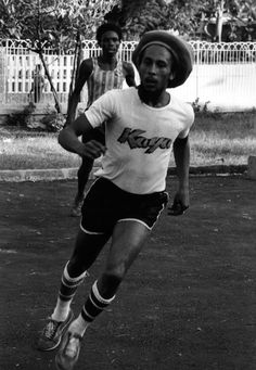 Bob Marley Legend, Reggae Bob Marley, Jamaica, Bob Marley Painting, Bob Marley Pictures, Blues Music, Pop Music, Rasta Man, Peter Tosh