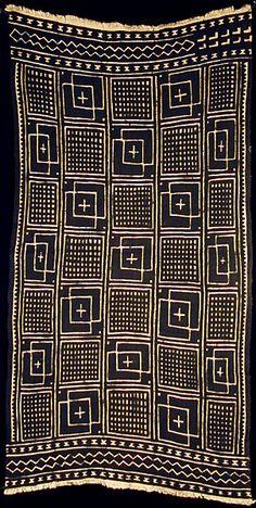 "Bogolanfini - Mud Cloth tafé (wrapper) • Nakunte Diarra - Bamana people, Beledougou area, Mali, 2003 cotton (40"" l. x 20 1/2"" w.)"
