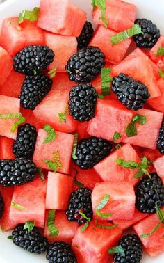 Watermelon, Blackberry, and Mint Salad ~ this simple and beautiful fruit salad is refreshing and perfect for any hot summer day!