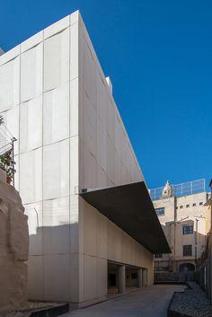 Archivo del Reino de Mallorca by Estudio de arquitectura Hand