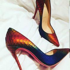 #traditionallyhitched #Nigerianwedding #Nigeriancouple #Nigerianbride #Nigeriangroom #bridalinspiration #bridalwear #bridalmakeup #bridal #bridallook#asooke#aso#love#romance#wedding  #darkredlace #darkredgele #darkredasooke #darkredturban #darkredasoebi #winelace #wineasoebi #wineasooke #christianlouboutin #redsoles http://gelinshop.com/ipost/1517336172665703108/?code=BUOqTW4lwrE