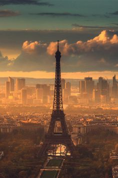 The iconic Eiffel Tower is perfectly captured in this Parisian photograph of a golden sunset.