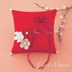 Nice- just need someone who reads japanese to tell me how much it costs. Wedding Ring Cushion, Wedding Pillows, Cushion Ring, Diy Wedding Inspiration, Ring Holder Wedding, Japanese Wedding, Ring Pillows, Red Wedding, Wedding Trends
