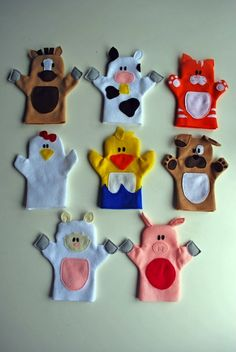 Old MacDonald puppet tutorial. Adorable hand puppets made from felt. Patterns for all animals shown, plus Old McDonald himself. - would be cool to shrink down and do as finger puppets! Kids Crafts, Felt Crafts, Craft Projects, Sewing Projects, Puppet Crafts, Family Crafts, Craft Tutorials, Fabric Crafts, Project Ideas
