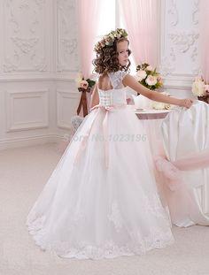 Hot Pretty Scoop Ivory White Lace Flower Girls Dresses 2016 Ball Gown Belt Floor Length Girls First Communion Dress Party Dress