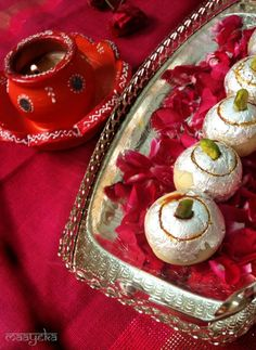 Kaju Gulkand Ladoo Cashew balls stuffed with a flavourful and delicious rose jam filling, a delicious and quite easy recipes to please your family and Guest this Diwali Indian Dessert Recipes, Indian Sweets, Indian Recipes, Other Recipes, Sweet Recipes, Easy Recipes, Rose Petal Jam, Rose Petals, Gulab Jamun