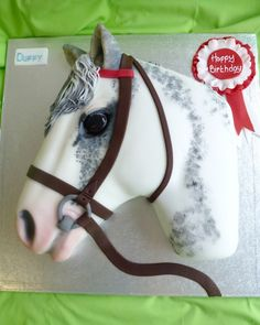 """Have your horse or pony's head replicated in cake. This cake can be personalised by using the drop down boxes in the """" Order your Cake """" section. Horse Theme Birthday Party, Horse Party, Dairy Free Victoria Sponge, Graham Cake, Jake Cake, Horse Cake, Colorful Cakes, Novelty Cakes, Cake Flavors"""